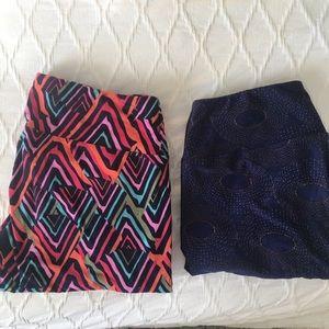 2 pairs lularoe OS leggings